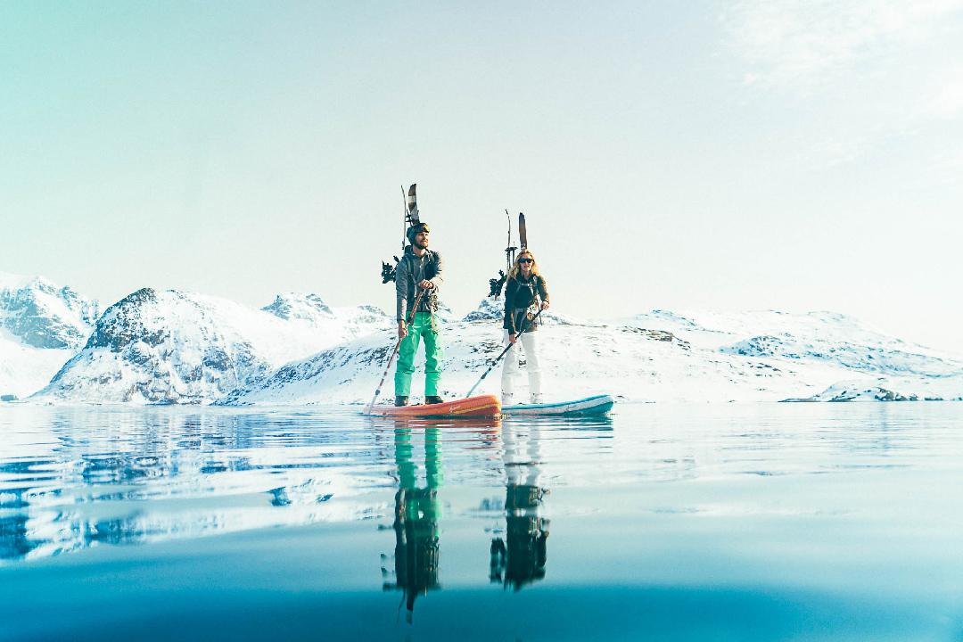 SUP Gletschersee Lofoten Valentin Illichmann und Paulina Herpel Team O'Neill